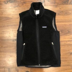 Patagonia Retro Pile fitted vest.